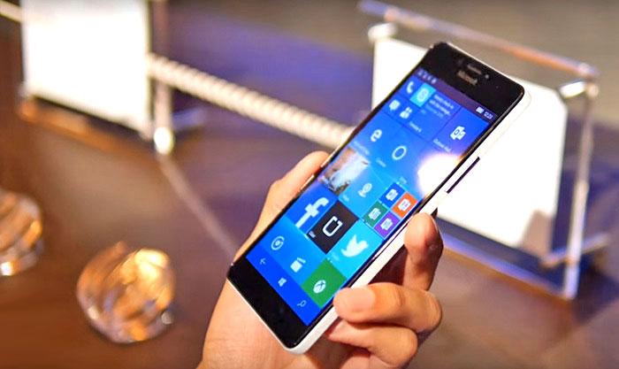 windows mobile smartphone on hands