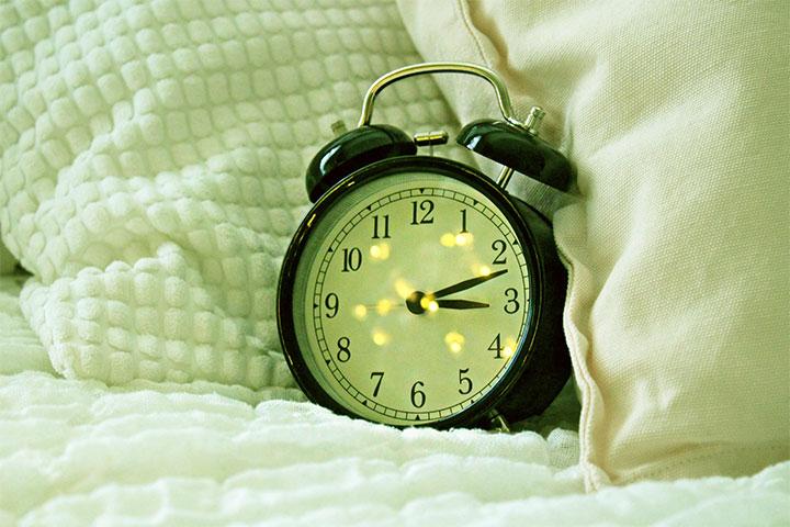 retro bedside alarm clock