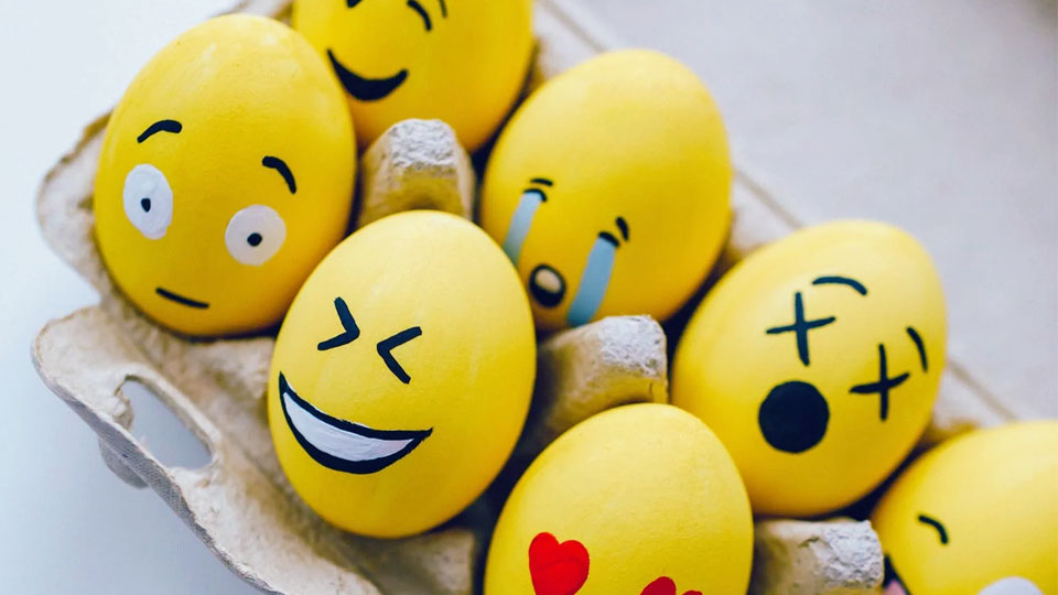 eggs painted emoticons